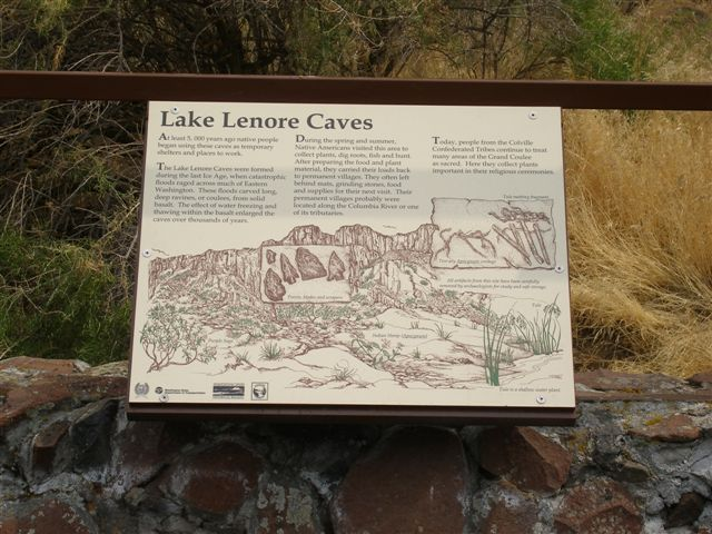 Lake_Lenore_caves_sign.jpg